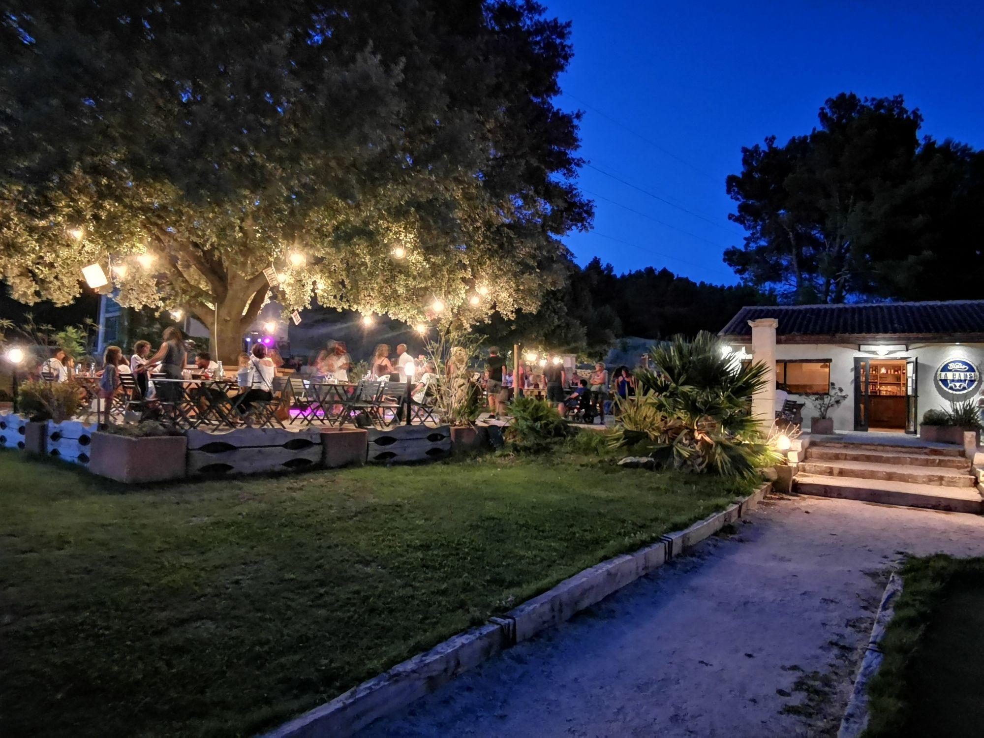 Restaurant la Pause au Golf de saint Roman à Beaucaire